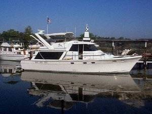 45' Bayliner Pilothouse