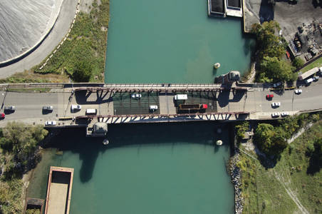 East 100th St Bridge