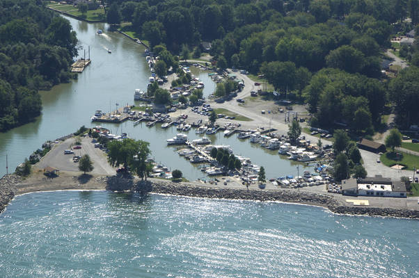 Chagrin Lagoons Yacht Club