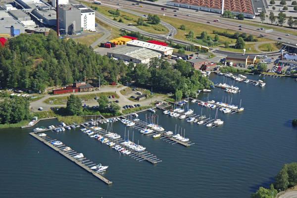 Hagaviken Road Marina