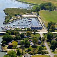 Lake Pointe Marina
