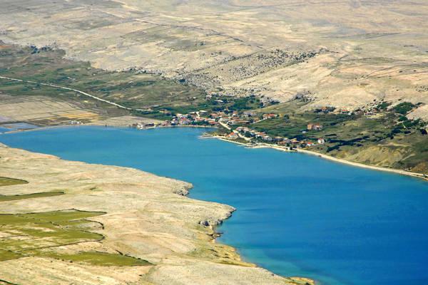 Dinjiska Harbour