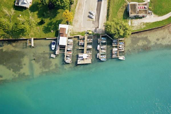 Bill & Bob's Boat Livery