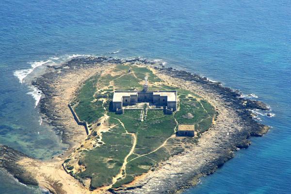 Isola Delle Correnti Light