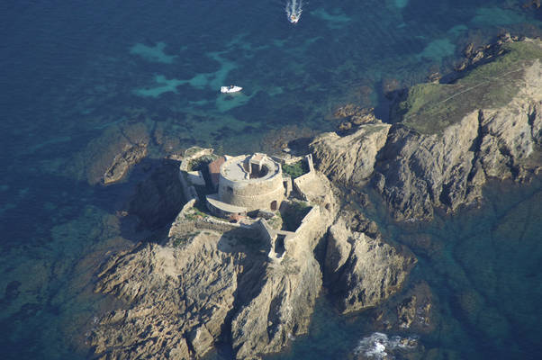 Il Du Petit Langoustier Fort