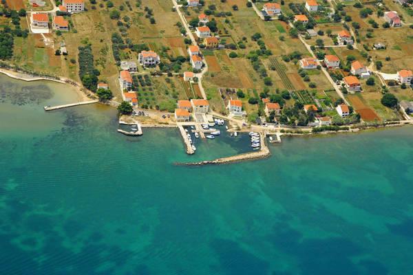 Nevidane East Harbour