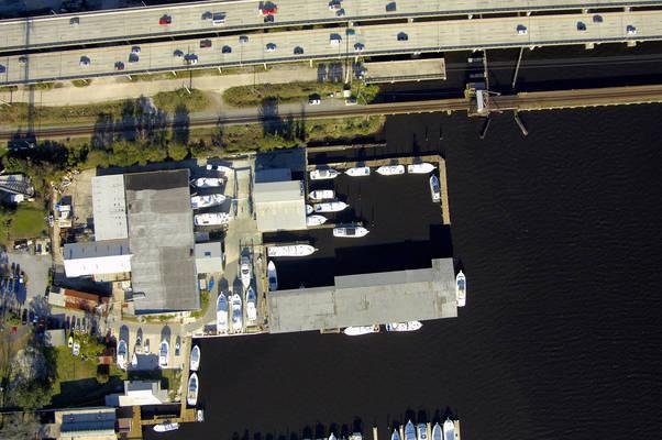 Huckins Yacht Corp