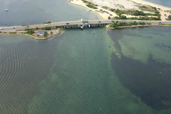 Lagoon Pond Inlet