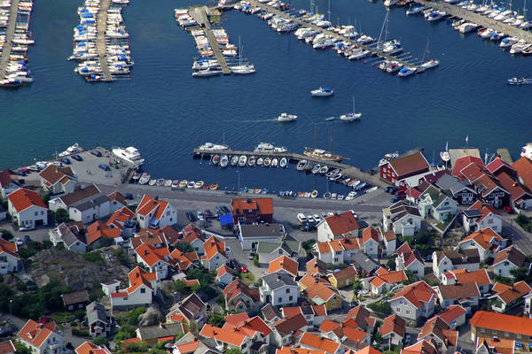 Skarhamn Road Dock Marina