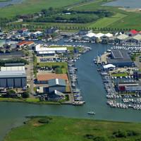 Makkum Yacht Harbour