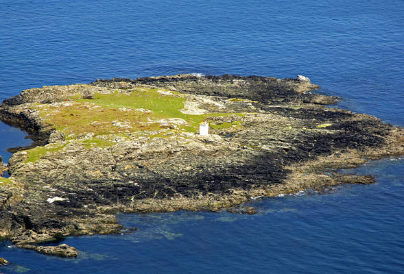 Inishlyon Light
