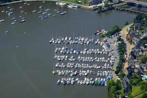 Port of Lyvet Marina