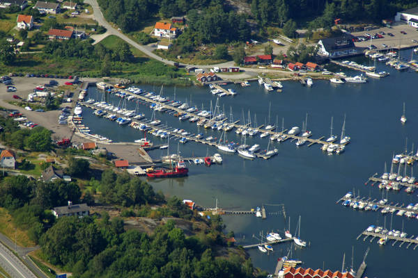 Almoesund Road Middle Marina