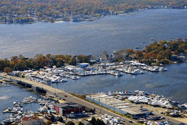Comstock Yacht Sales & Marina