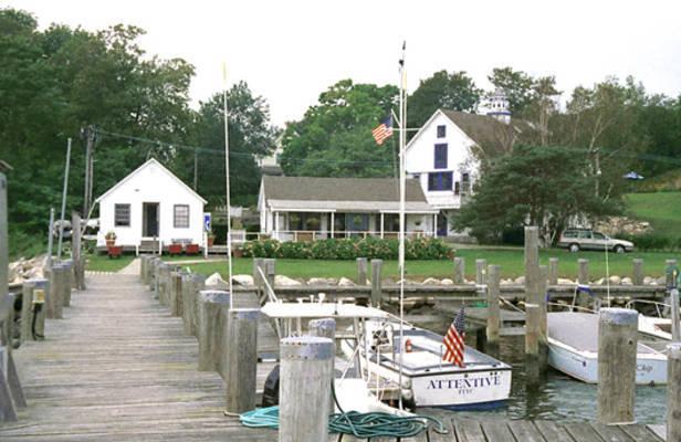 Fishers Island Yacht Club