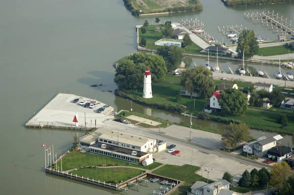 Lakeshore Lighthouse
