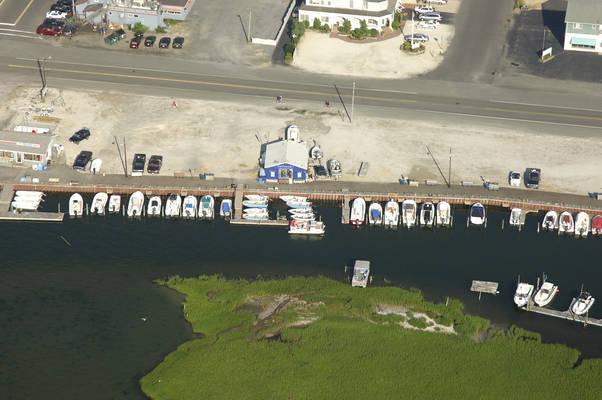 Kellys Boat Rentals