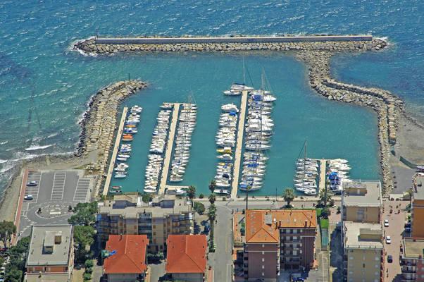 San Bartolomeo Al Mare Marina