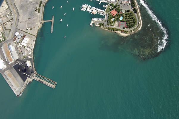 Isla De Gata Inlet
