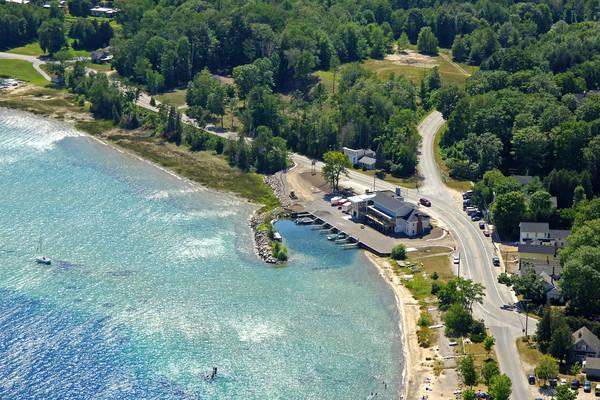 Omena Harbor Bar & Marina