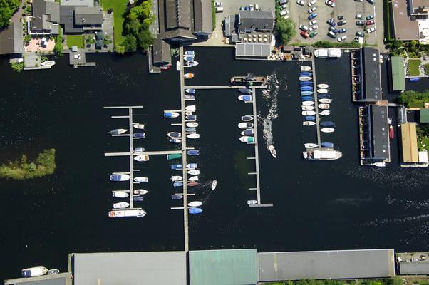 De Plashoeve Yacht Harbour