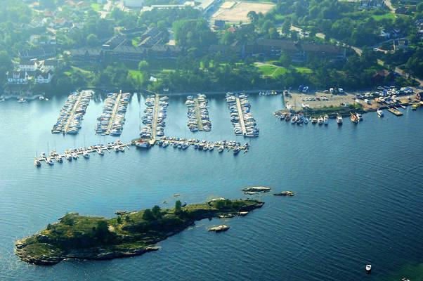 Møvik Yacht Harbour