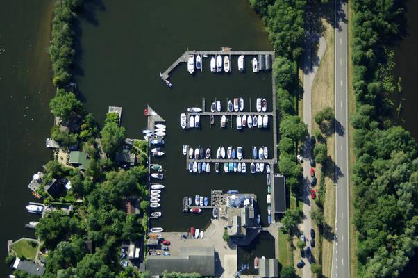 De Zuwe Yacht Harbour