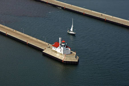Duluth Harbor South Breakwater Lighthouse