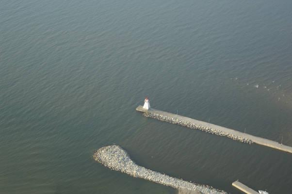 Southampton Light (Long Dock Light)