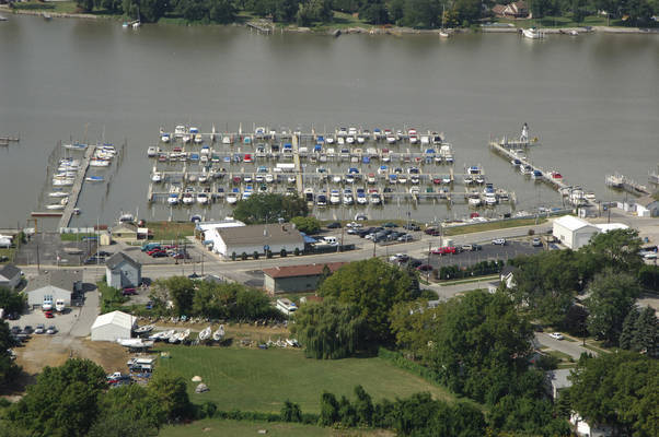 River View Yacht Club