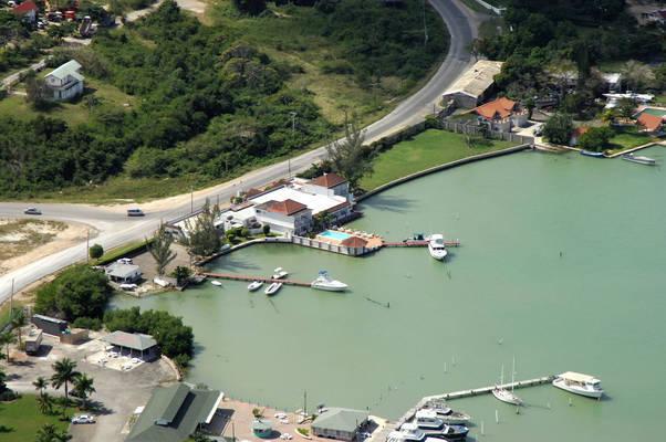 Lagoon Hotel & Marina