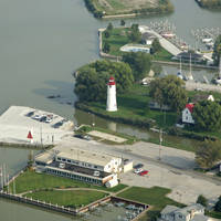 Lakeshore Lighthouse