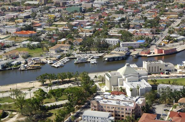 La Coloma Marina