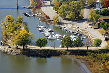 Henry Harbor Marina