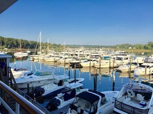 Huntington Yacht Club