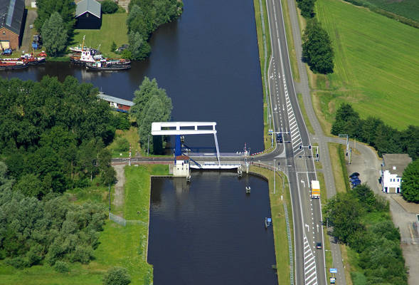 Winschoeterdiep Canal Bridge 1