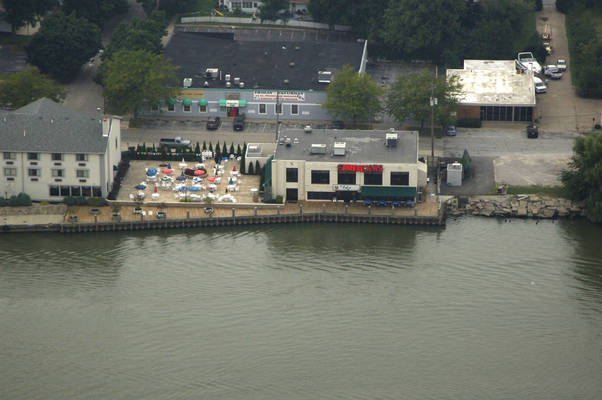 Harbor House Bar & Grill