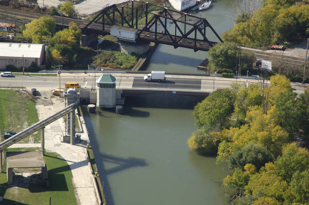Kinnickinnic Avenue Bridge