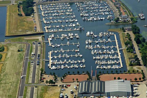 Drimmelen Yacht Harbour
