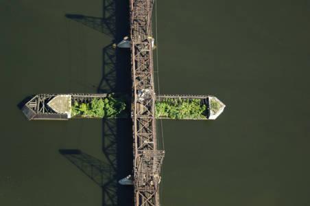 Hudson River Railroad Swing Bridge