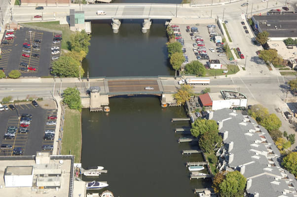 Juneau Avenue Bridge