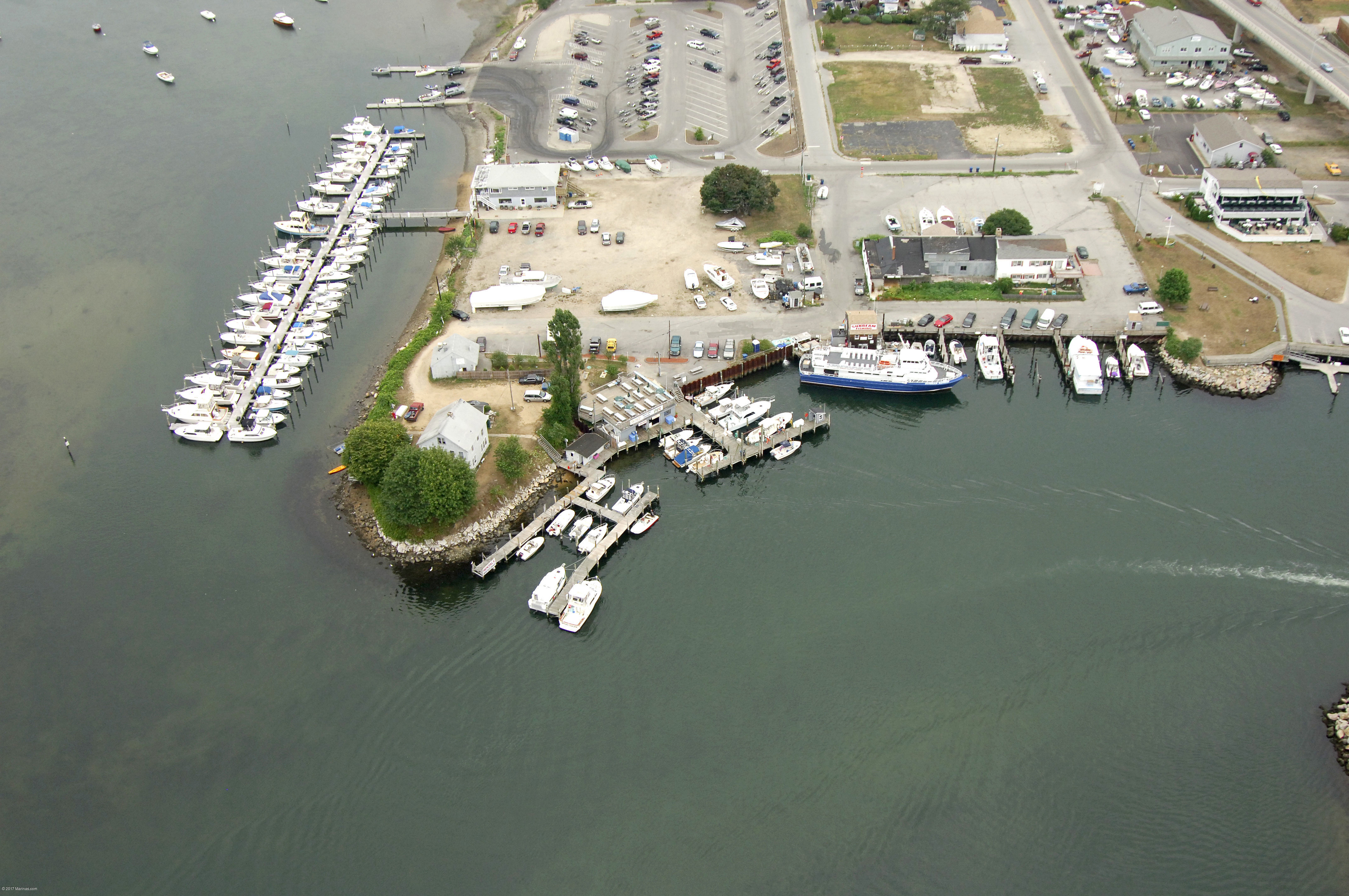 Niantic Sportfishing Dock In Waterford Ct United States