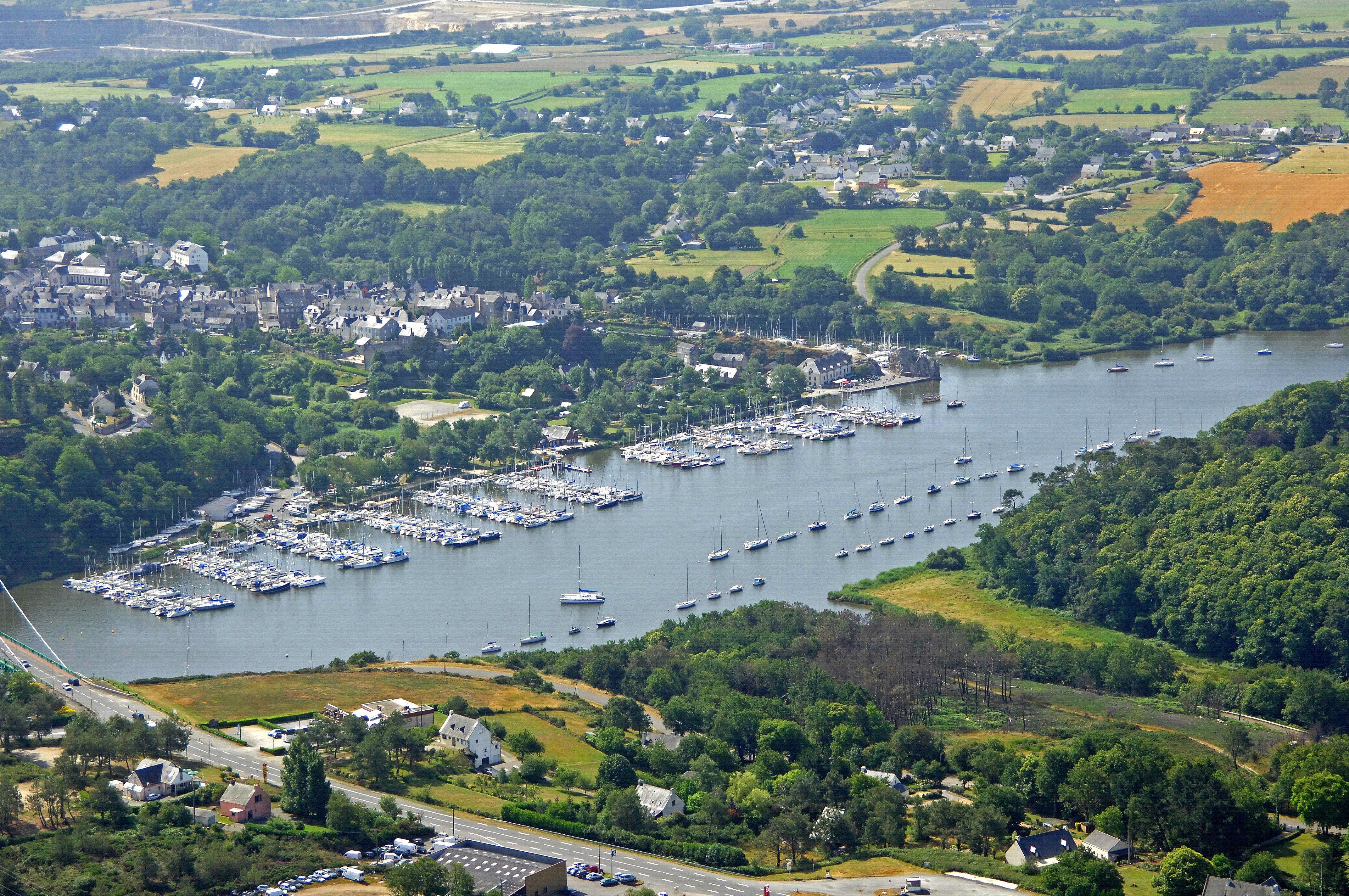 Port De La Roche Bernard Port Neuf In La Roche Bernard France