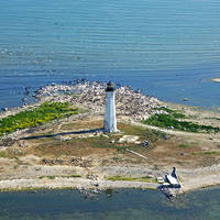 Ile Aux Galets Lighthouse