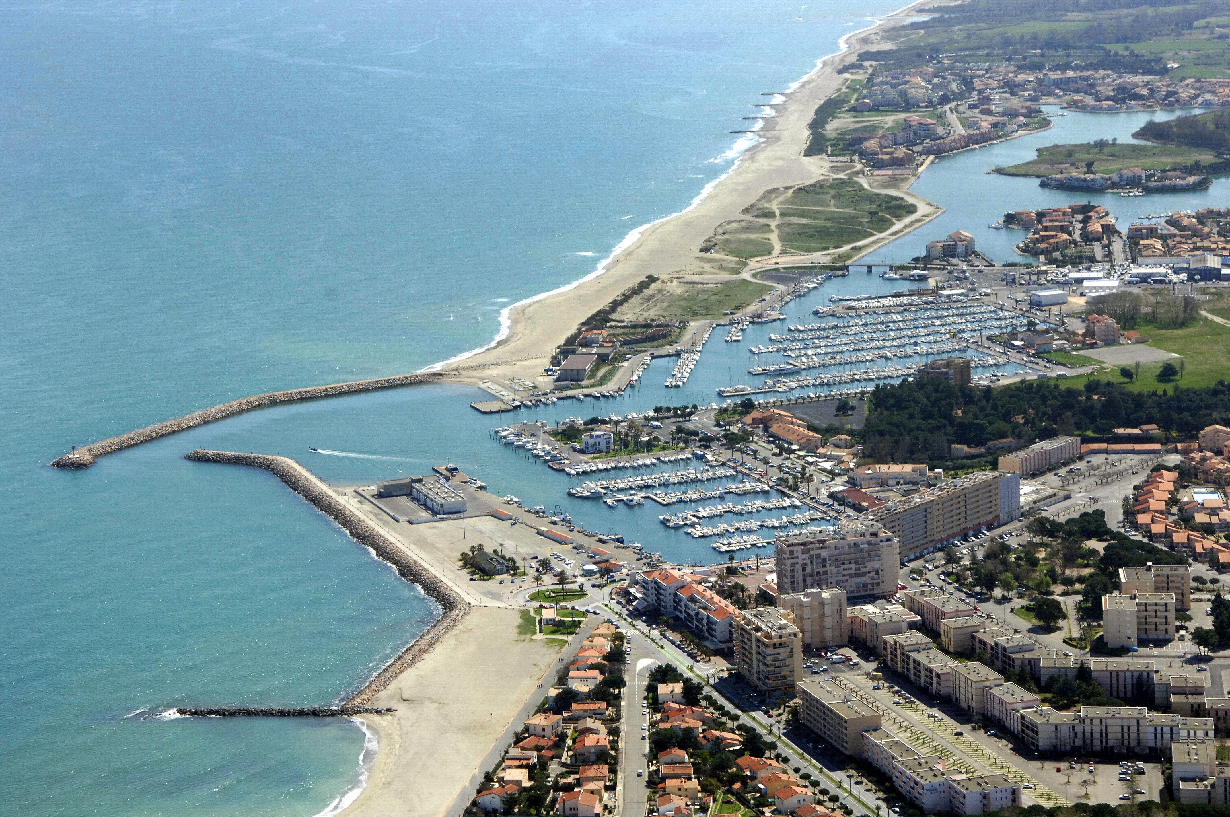 St Cyprien Marina in Saint Cyprien, France - Marina Reviews - Phone