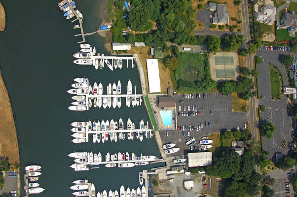 Castaways Yacht Club