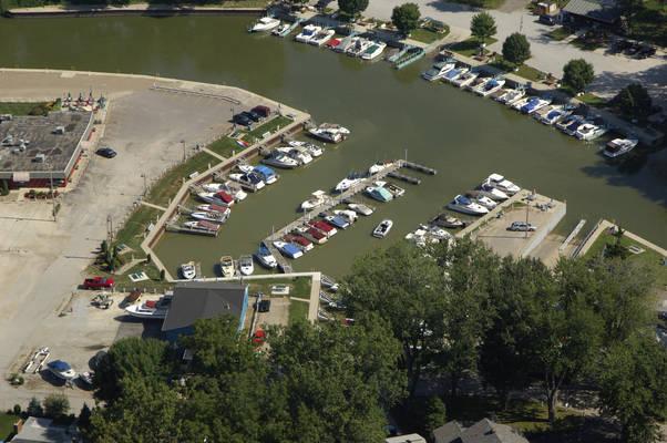 Lake Shore Marina