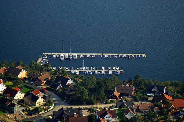 Ausvika Yacht Harbour