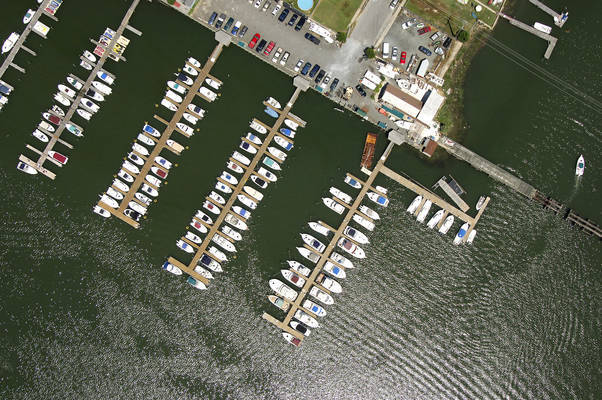 Bridgeport Family Marina