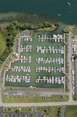 River Oaks Marina